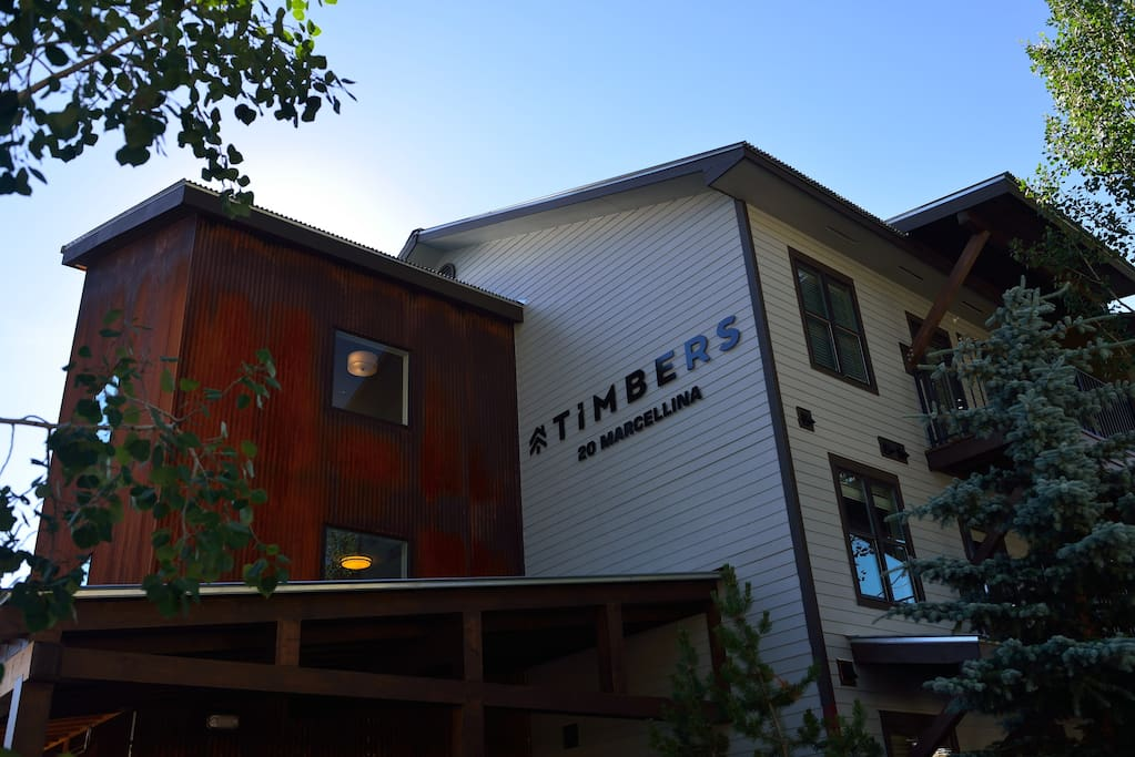 Timbers Entrance / Deck / BBQ / Hot Tub