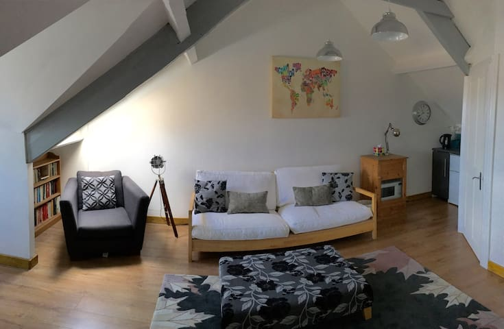 Modern loft flat in Victorian house - Whitley Bay - Apartament