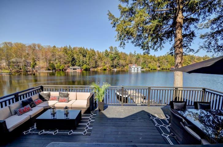 Lakefront Luxury on Lake Muskoka!