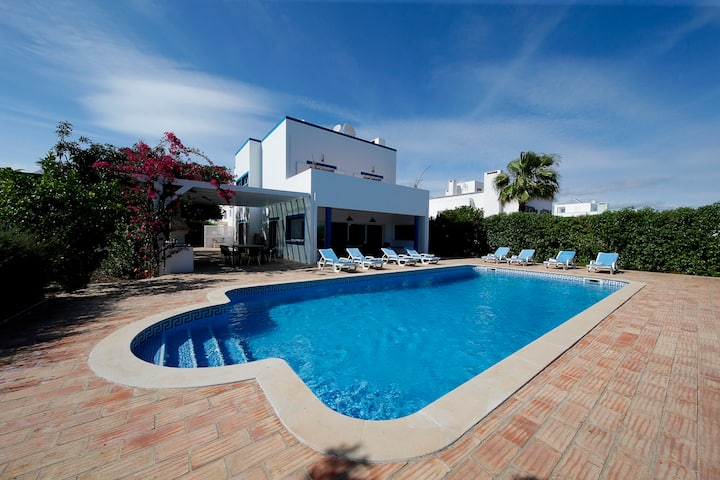 Luxury Villa with Garden , Pool & Sea View