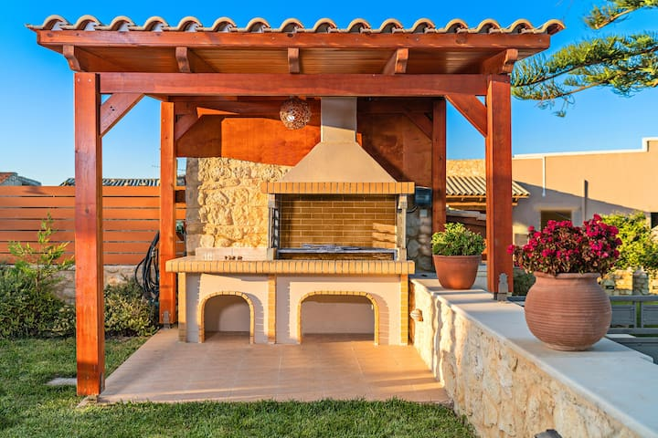 BBQ facilities are available outdoors.