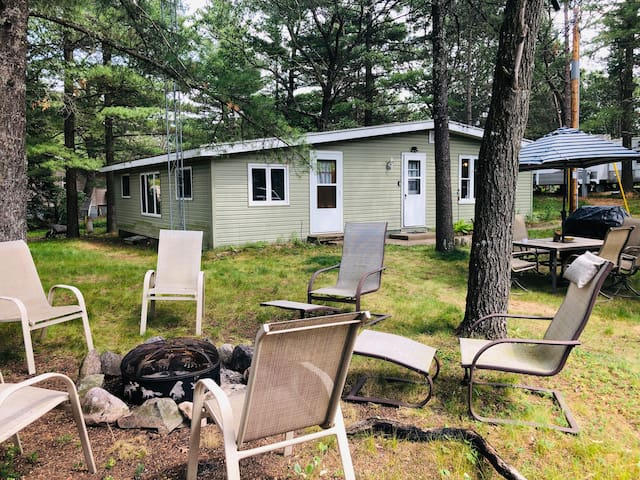 *NEW* Family Friendly home 30 min from Dells.
