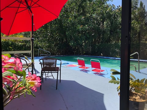 Private apartment/2 rooms/2 beds/ kitchenette/pool