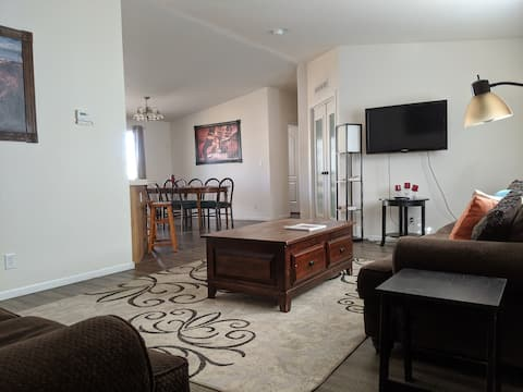 4 BR Home by Horseshoe Bend, Antelope. Lake Powell