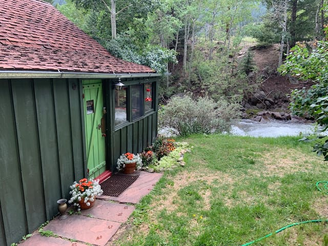 The Cricket- An amazing Tiny House!
