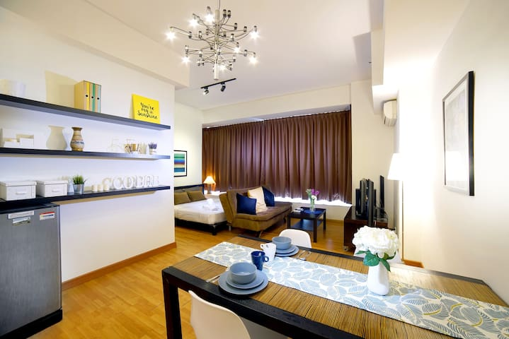 Enjoy the stay with us, stay as a guest left as a friend :) Dinning area with comfortable set and light .
