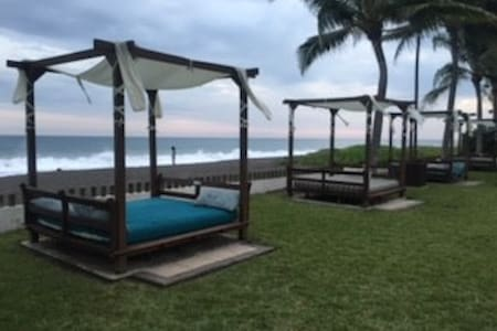 Amazing beach front villa w private pool + terrase - Monterrico - Vila