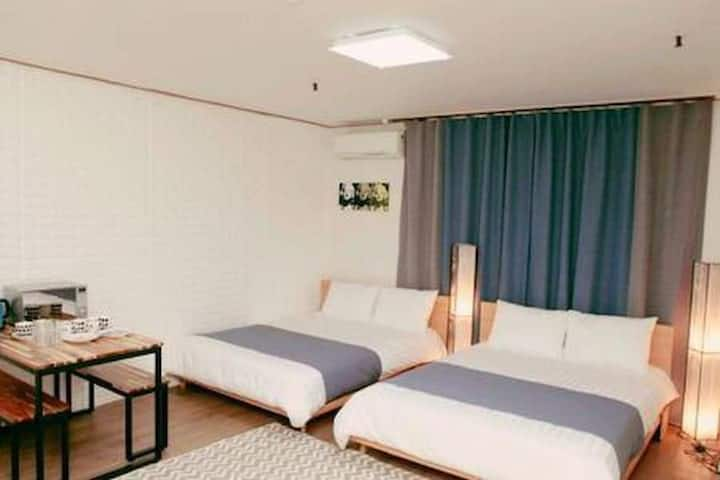 [OpenSale]3min to Seoul Station! Cozy Studio