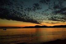 Nascer do sal na praia Jabaquara.