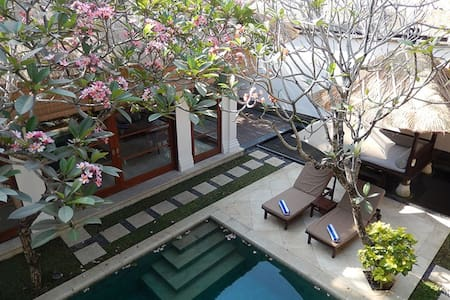 Full Services Luxury Villa Jimbaran - Villa