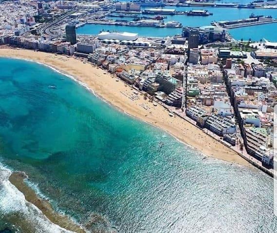 Las Palmas GC  Playa Canteras. En la mejor zona.