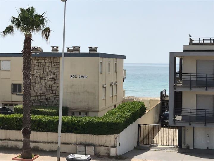 107 Studio  1 er étage avec balcon vue mer