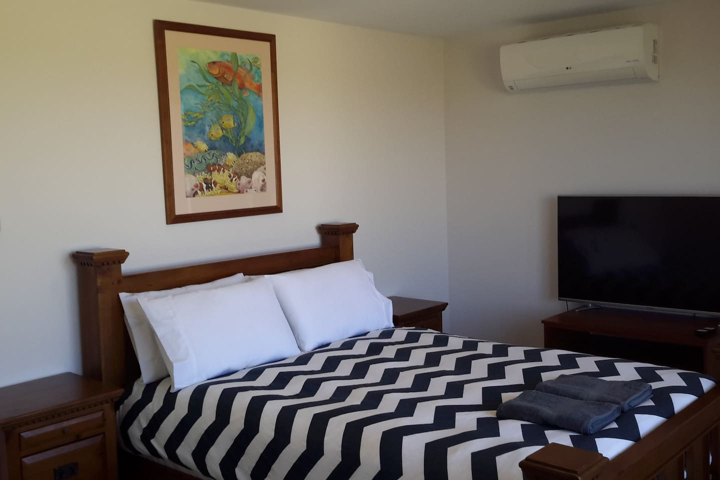 Private downstairs airconditioned bedroom
