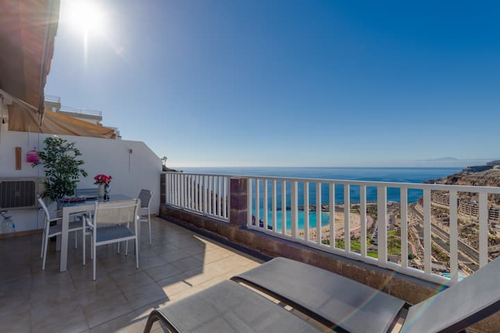 Apartment in Amadores with POOL WIFI Parking and the best views