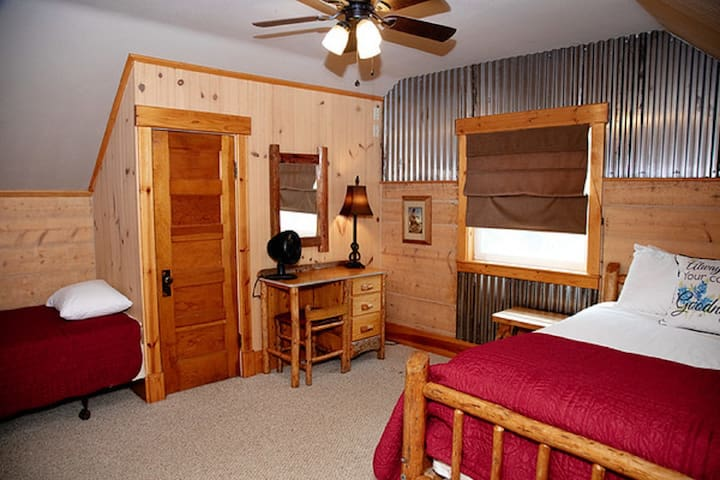 Ranch House - Bedroom #4 - One Double Bed, One Single Bed - Upstairs