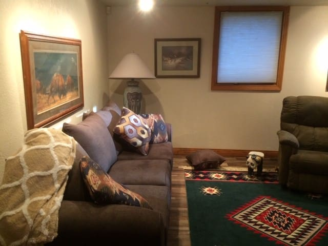 Bloomfield Hills Furnished Luxury Suite