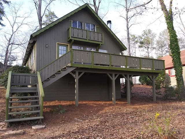 Pine Mountain Club Chalets - Three Bedroom Lakefront #7 - Pet Friendly