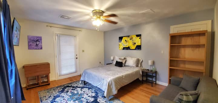Honeyfly Haven minutes from I-81