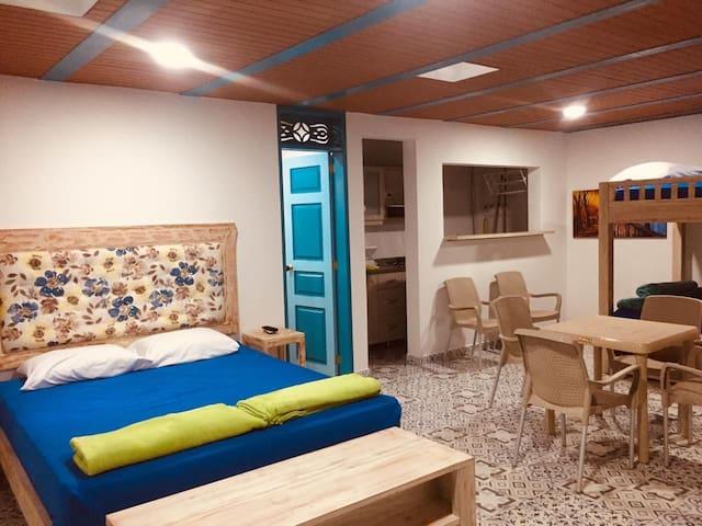 Apartamento nuevo a  media cuadra del parque ppal.