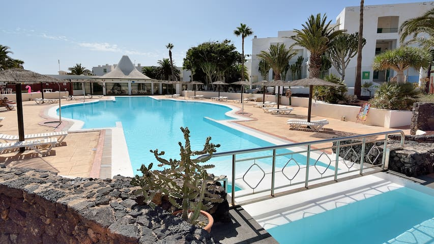 Costa Teguise Rock Complex Share Pool and Wifi 11A