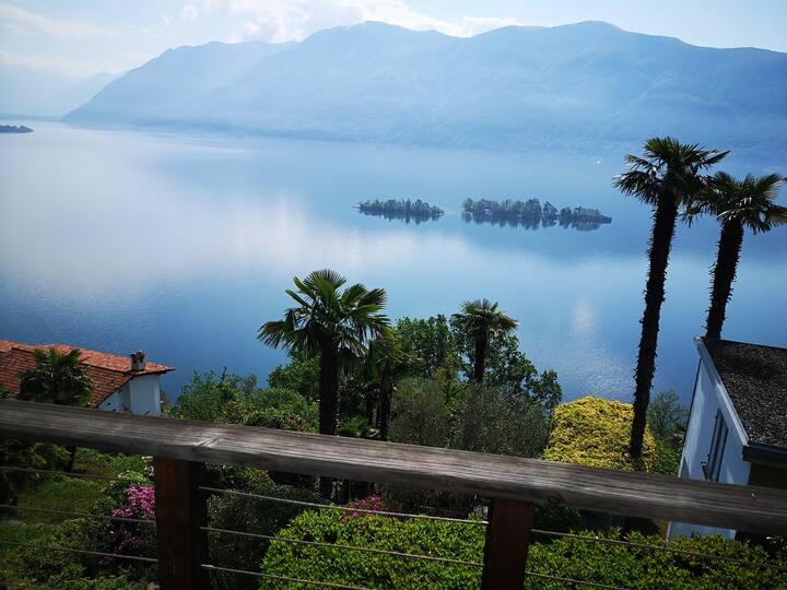 Villa Ronco,freistehend,Seesicht,Garten,Terrassen