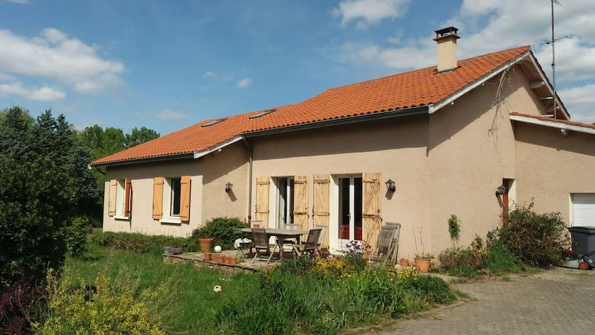 Maison dans les monts du Lyonnais, à 30 mn de Lyon