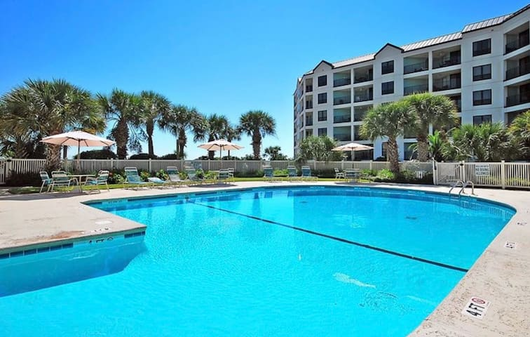 Enjoy Ocean Waves in this Beachfront Condo