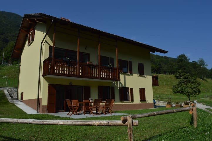 Holiday house Jelovčerjeva hiša - Idrija pri Bači - Appartement