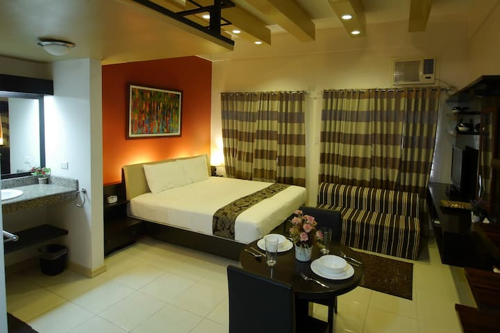 Bluebell at New Manila Suites - A Full Service BnB