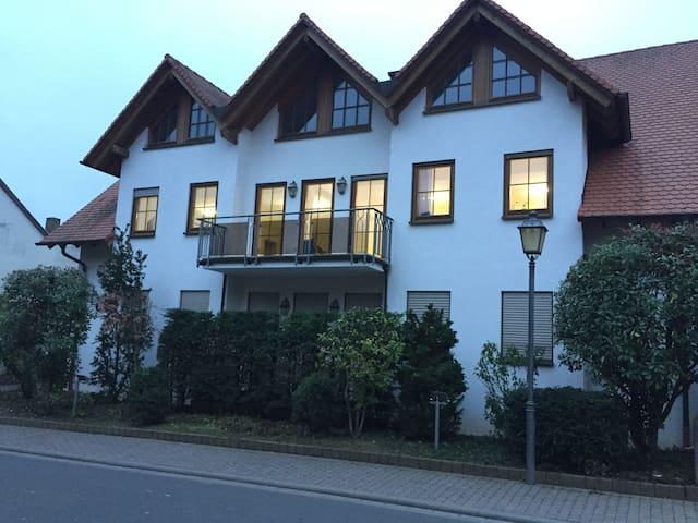 Ferienzimmer in idyllischem Weinort - Undenheim