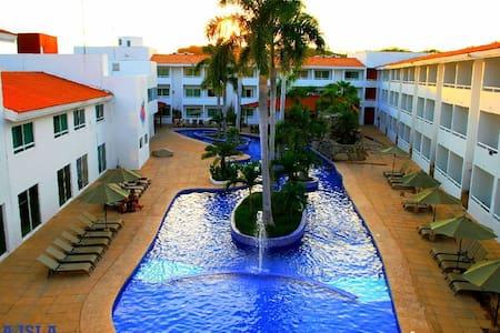 La Isla Huatulco & Beach Club - Other