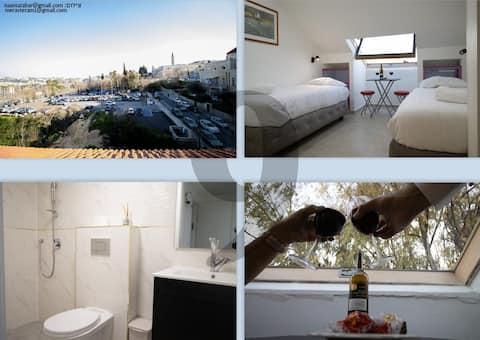 9 chambres Eden face des remparts de la vieille ville