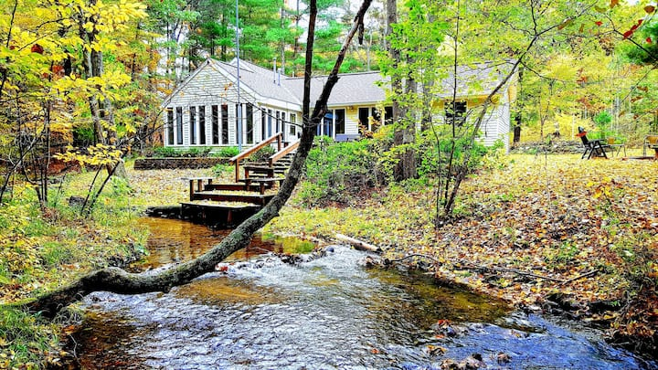Nature, hiking, yoga retreat along babbling creek