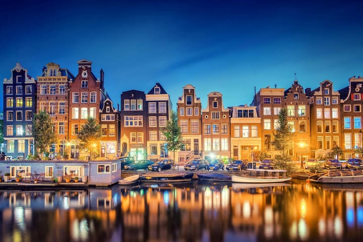 LOVELY APARTMENT WITH A SPECTACULAR VIEW - Amsterdã - Apartamento