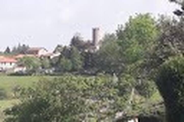 Chambres à louer à Chambles près du village