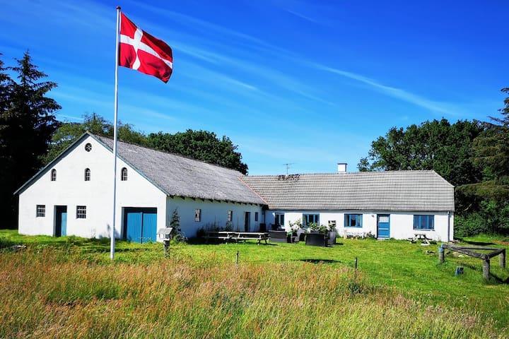 Glædegården -Glaede Landhof-  12 beds!