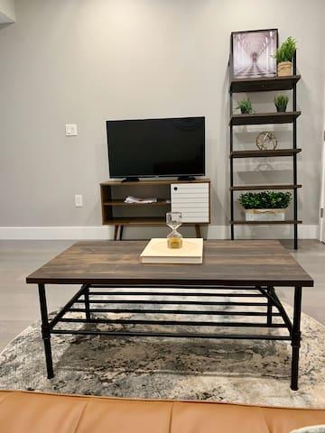 Living room amenity (smart tv).
