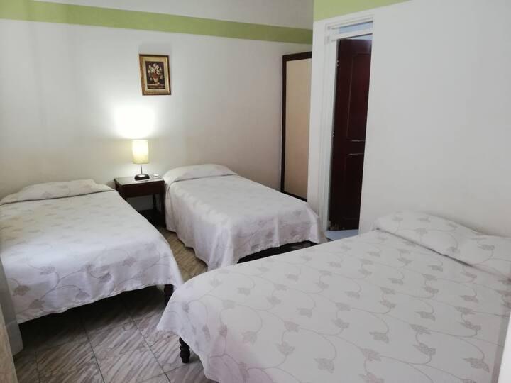 HOTEL PUERTAS DEL SOL