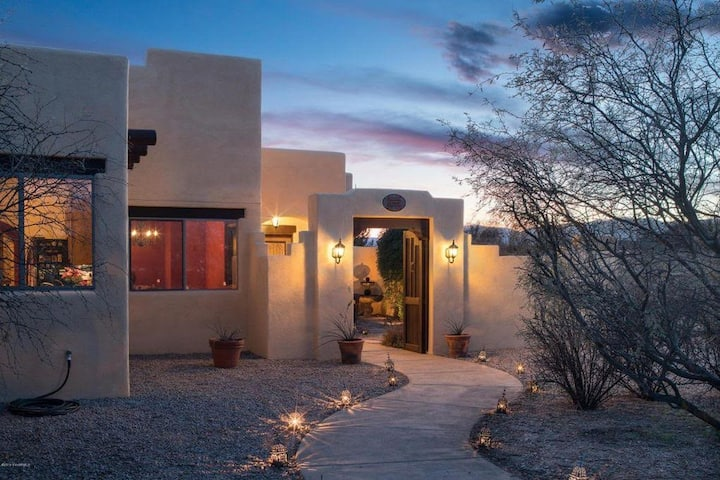 Gorgeous Santa Fe Style Home With Private Hot Tub Located in Cornville - Spanish Hacienda S065