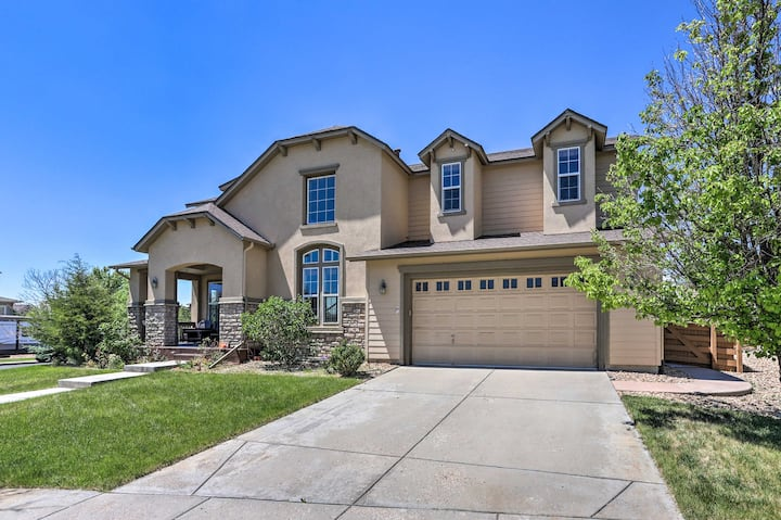 NEW! High-End Home w/ Community Golf Green + Pool!