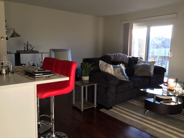 Hip Asbury Park Condo Near Beach - 애즈베리 파크(Asbury Park) - 아파트