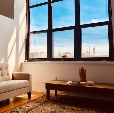 Hidden Gem  Sleeping space in Zen Modern Loft Apt