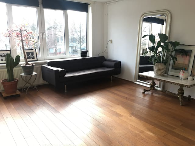 Front private bedroom shared apartment Amsterdam