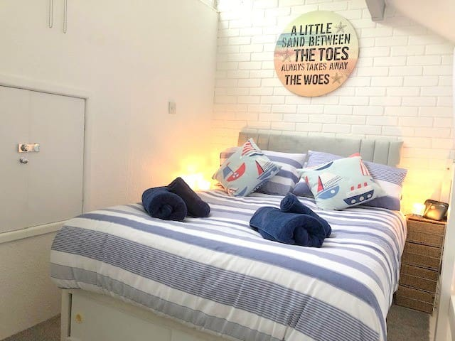 Mezzanine/Master Bedroom