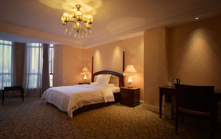 碧尤蒂酒店红谷滩秋水广场旁第一街区巴洛克精品公寓E - 南昌市