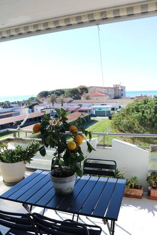 Seafront apartment in Cecina