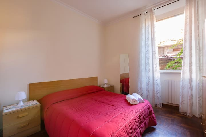Double Room Private bathroom, Wi-Fi Roma Termini