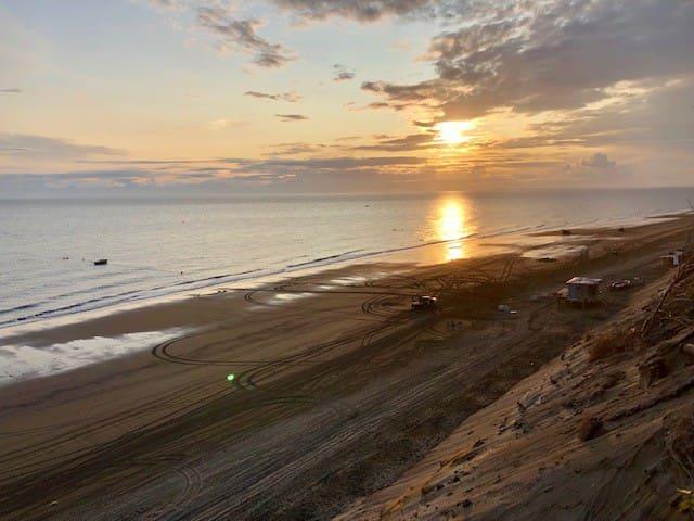 Kenai Bluff/Beach View/Cook Inlet - Sleeps 9+