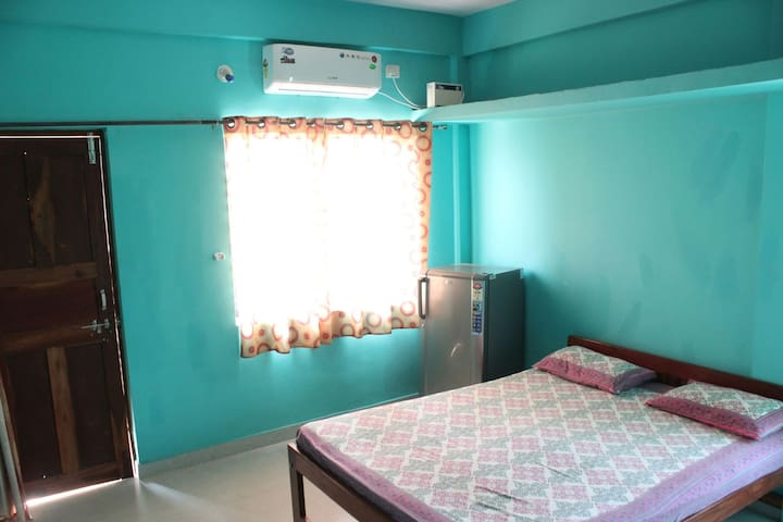 Om Ganesh Guest house Delux Double bed AC rooms