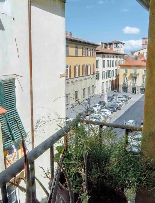 Lo scorcio su Piazza Bernardini